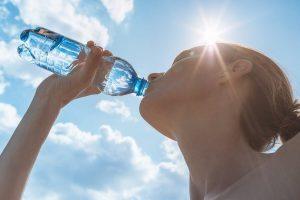 dieta-estiva-bere-tanta-acqua