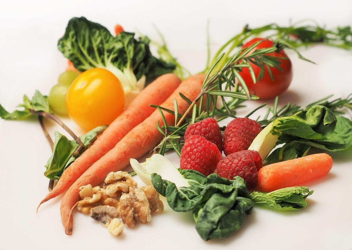 dieta-mima-digiuno-verdura-frutta-secca